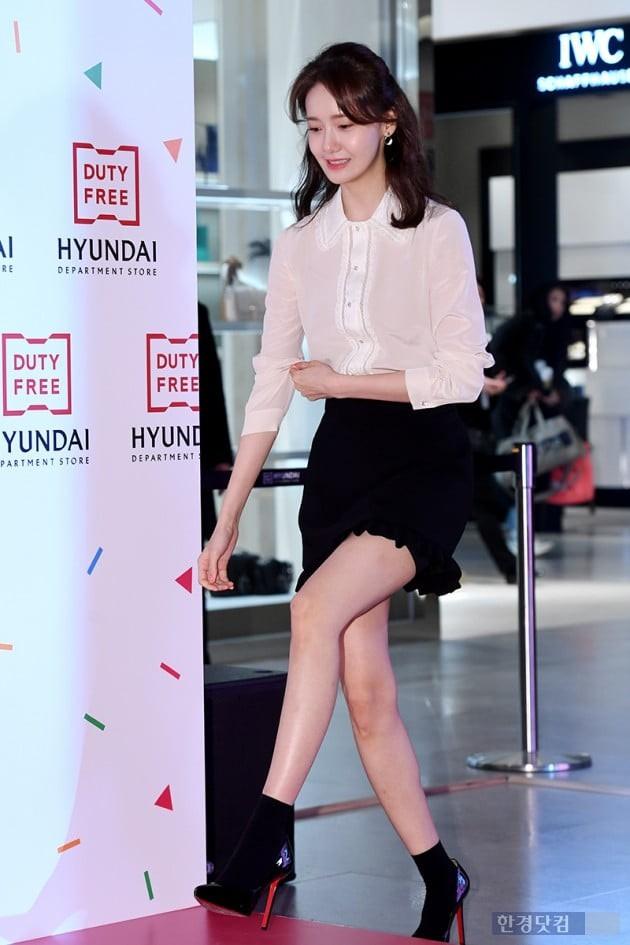 Không chỉ chân vòng kiềng, 'nữ thần' Yoona lại tiếp tục để lộkhuyết điểm kém xinh 3