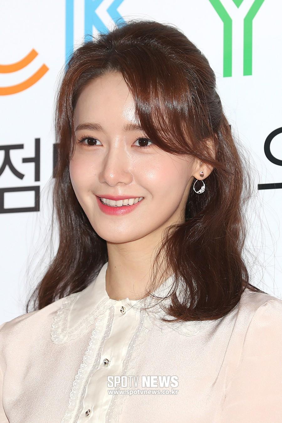 Không chỉ chân vòng kiềng, 'nữ thần' Yoona lại tiếp tục để lộkhuyết điểm kém xinh 5