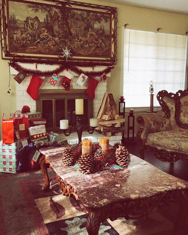 Phòng khách được nữ diễn viên Hương phù sa trang trí theo phong cách châu Âu cổ điển.