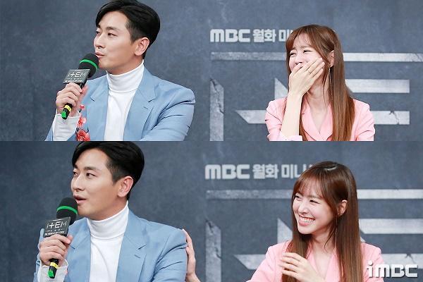 Họp báo phim 'The Item': Jin Se Yeon sánh vai bên Joo Ji Hoon tươi cười rạng rỡ 11