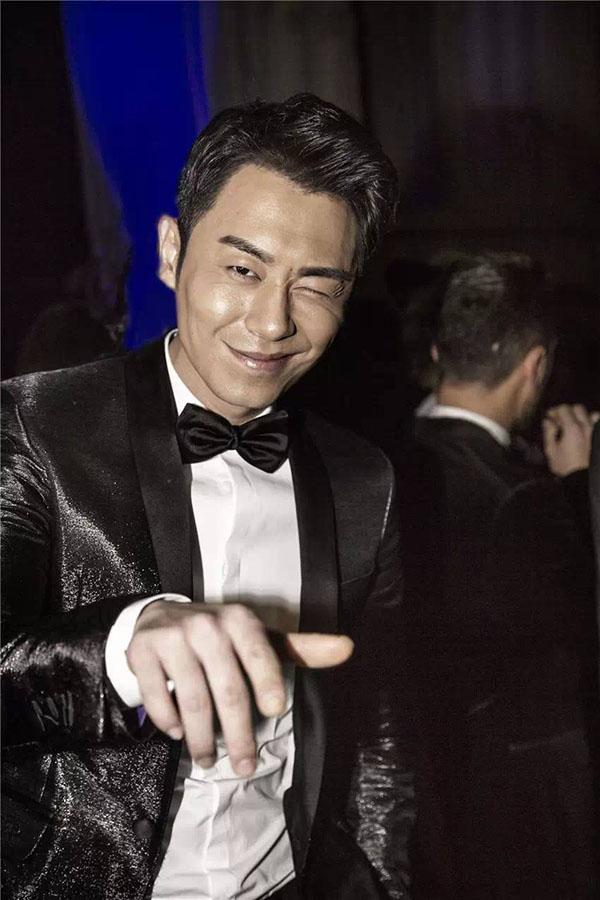 Gừng càng già càng cay, Chu Á Văn có nét duyên dáng riêng biệt hứa hẹn sẽ là nhân tố thú vị cho chương trình.