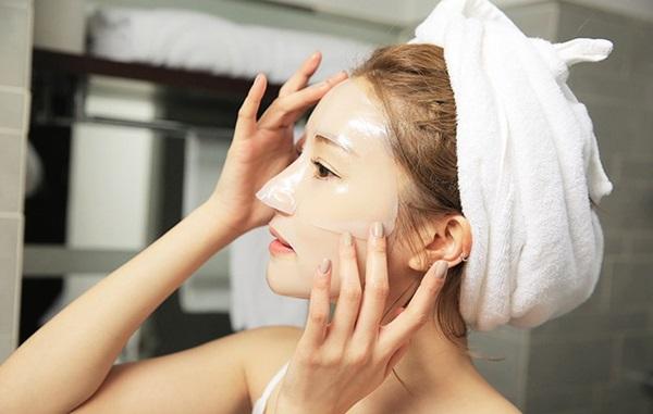 Đắp mặt nạ kép là phương pháp làm đẹp được gái Hàn cực kỳ yếu thích nhờ vào hiệu quả phục hồi da nhanh chóng