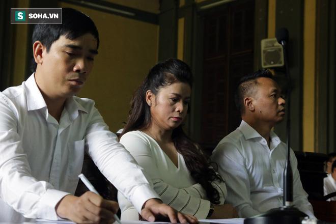 Khoảnh khắc căng thẳng trong phiên xử ly hôn vợ chồng ông chủ cà phê Trung Nguyên 4