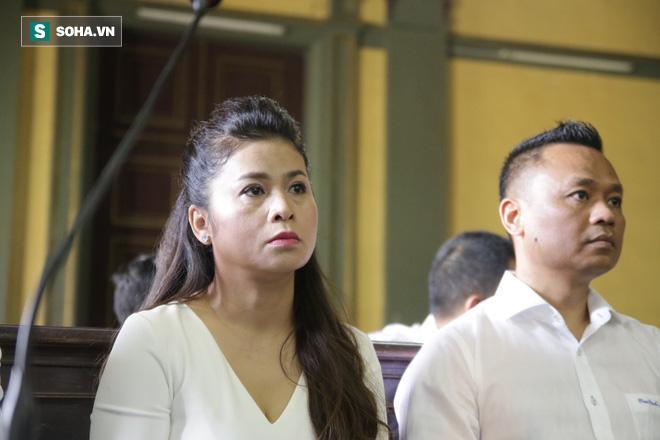 Khoảnh khắc căng thẳng trong phiên xử ly hôn vợ chồng ông chủ cà phê Trung Nguyên 3