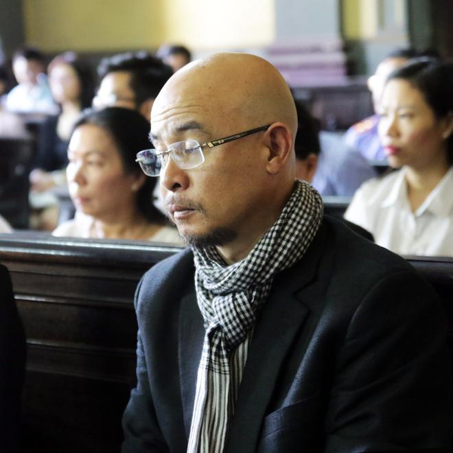 Khoảnh khắc căng thẳng trong phiên xử ly hôn vợ chồng ông chủ cà phê Trung Nguyên 6