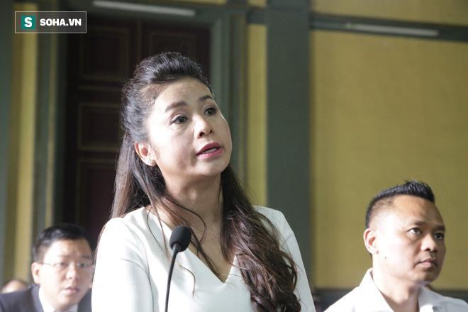 Khoảnh khắc căng thẳng trong phiên xử ly hôn vợ chồng ông chủ cà phê Trung Nguyên 13