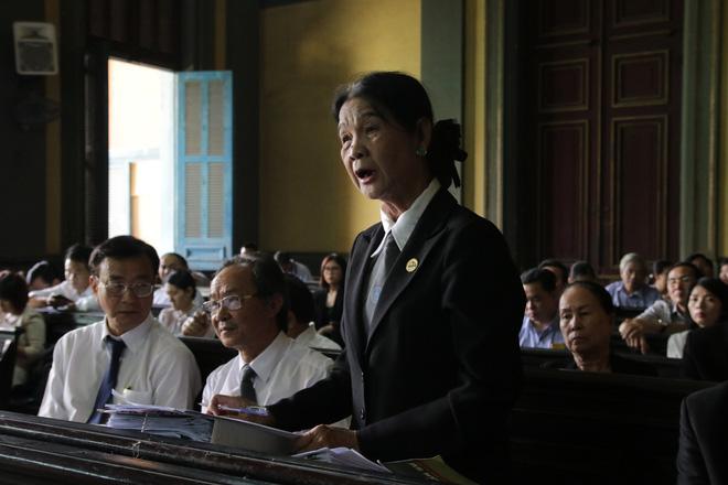 Khoảnh khắc căng thẳng trong phiên xử ly hôn vợ chồng ông chủ cà phê Trung Nguyên 10