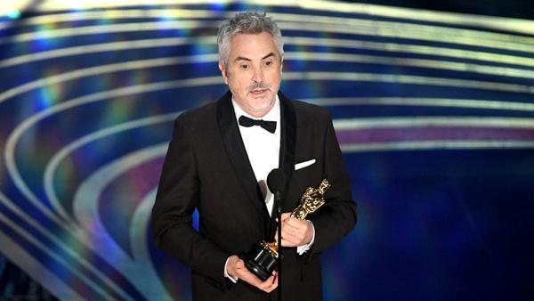 Đạo diễn Alfonso Cuaron nhận giải