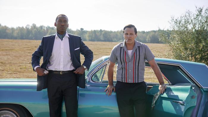Green Bookxoay quanh hai nhân vật có thật Don Shirley (Mahershala Ali đóng) và Tony Vallelonga (Viggo Mortensen) ở thập niên 1960.