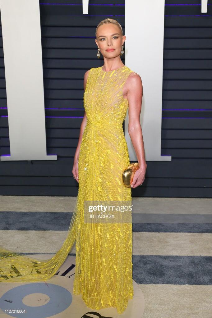 Kate Bosworth chính là mỹ nhân Hollywood tiếp theomặc đồ thiết kế Việt Nam đến sự kiện Oscar. Nữ diễn viên khoe sắc tại tiệc hậu Oscar với chiếc đầm vàng xuyên thấu - đây cũng là một trong những thiết kế 'đinh' của BST mà NTK Công Trí ra mắt tại New York Fashion Week 2019.