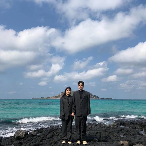 Đôi bạn người Hàn và bộ ảnh hot trend 'sống ảo cùng chủ tịch' khiến dân mạng cười nghiêng ngả 8
