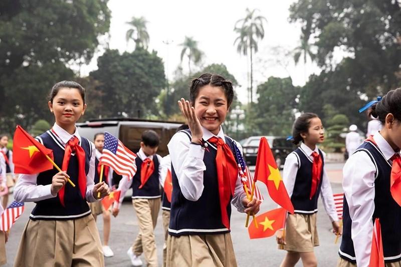 Nhà Trắng ghi lại hình ảnh người Việt hồ hởi chào đón thượng đỉnh Mỹ - Triều 6