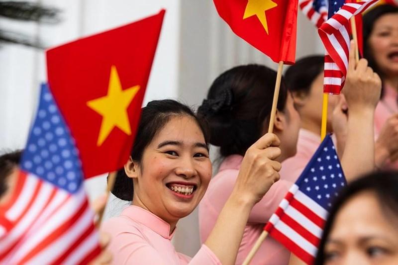 Nhà Trắng ghi lại hình ảnh người Việt hồ hởi chào đón thượng đỉnh Mỹ - Triều 8