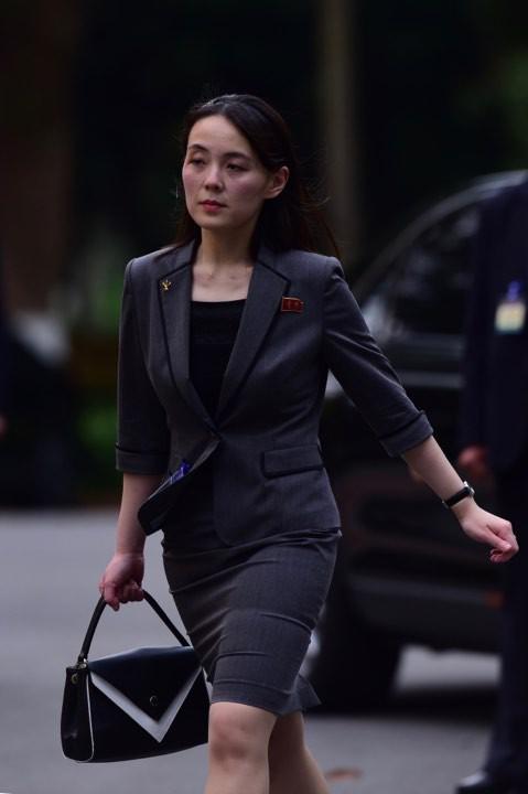 Chuyên gia về Triều Tiên Michael Madden cho rằng, bà Kim Yo-jong có vai trò như Chánh văn phòng Nhà Trắng, tham gia vào nhiều lĩnh vực từ cơ bản cho đến những quyết định quan trọng: như chính sách đối ngoại, lịch trình, hậu cần và an ninh cho anh trai Kim Jong-un. Ảnh: Tuấn Mark