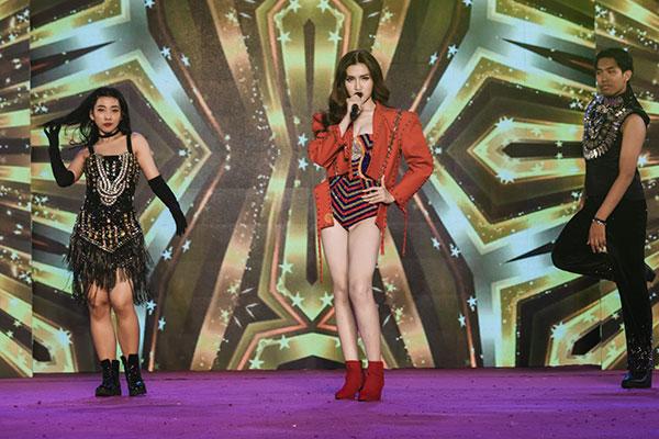 Đỗ Nhật Hà tỏa sáng với trang phục dân tộc tại Miss International Queen 2019 6