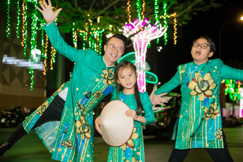 Các nhóc tỳ nhà Hà Kiều Anh, Hoàng Bách, Mai Thu Huyền cànquét sàn catwalk 4