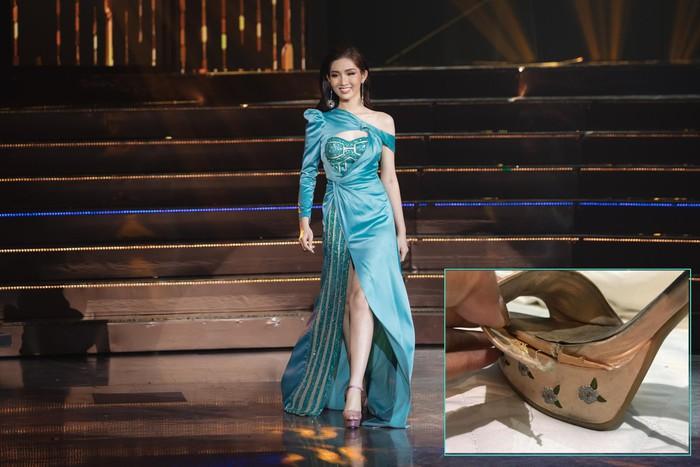 Hương Giang liên tục bị gọi tên khi để 'hậu duệ' Nhật Hà sến sẩm tại Bán kết Hoa hậu Chuyển giới Quốc tế 5