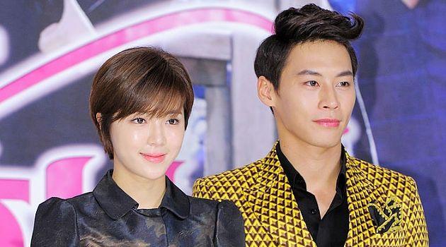 Jung Eun Woo và Park Han Byulquen nhau trên phim trường Mộc Lan thời @