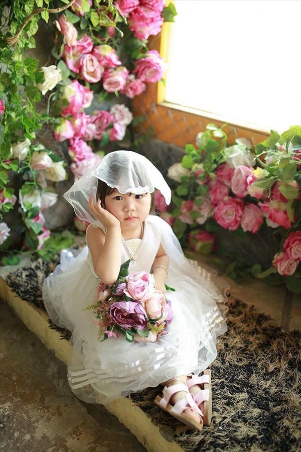 Không ít lần chần chừ việc mua món đồ khác, cô bé cuối cùng vẫn chọn chung thủy với mục tiêu mua váy ban đầu