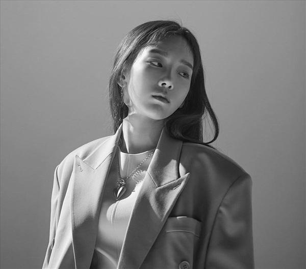 Chuỗi teaser chào mừng sự trở lại của Taeyeon: Xinh đẹp và lộng lẫy như một bà hoàng đích thực! 1