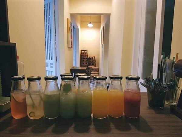 Hơn nữa còn làm nổi bật màu sắc của đồ uống