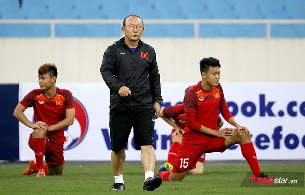 Thầy trò HLV Park Hang-seo gặp bất lợi vì chủ nhà Thái Lan tham gia đá vòng loại U23 châu Á 2020