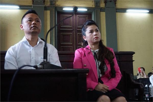 Phía bà Lê Hoàng Diệp Thảo cho rằng 2.102 tỷ đồng là tài sản riêng.