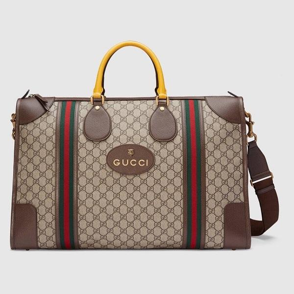 Chiếc túi thứ ba trong bộ sưu tập túi xách unisex Gucci của Kai là Soft GG Supreme Dufle Bag. Với kiểu dáng to bản, item này giúp anh có thể chứa đựng được rất nhiều đồ khi đi lưu diễn ở nước ngoài.