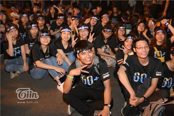 Hàng nghìn bạn trẻ mang theo những thông điệp từ khắp nơi đã đổ về khu vực Nhà Hát Lớn tham gia sự kiện