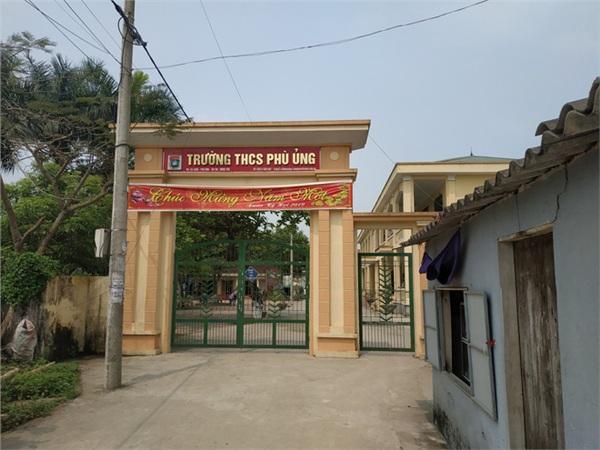 Trường THCS Phù Ủng.