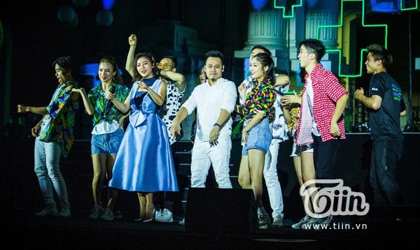 Văn Mai Hương và Nguyễn Đức Cường có mà kết hợp ấn tượng nhận được sự cổ vũ nhiệt tình của khán giả.