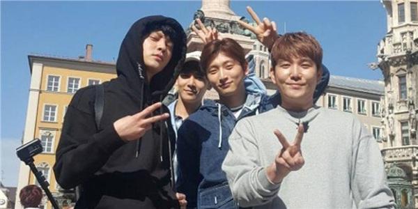 Cả 3 đều từng tham gia chương trìnhHit Makercủa đài jTBC.