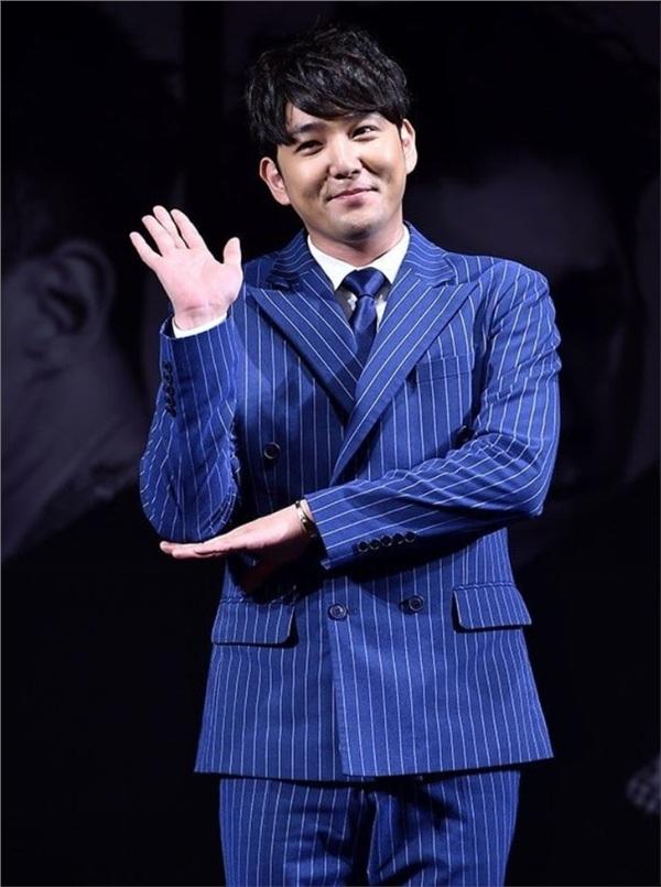 Kang In thừa nhận có trong nhóm chat của Jung Joon Young, nhưng động thái của cảnh sát mới là điều bất ngờ 1