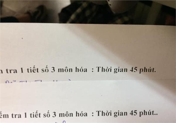 Bạn có nhìn thấy dấu chấm ở sau chữ '45 phút' không? Đó chính là mã đề đấy!