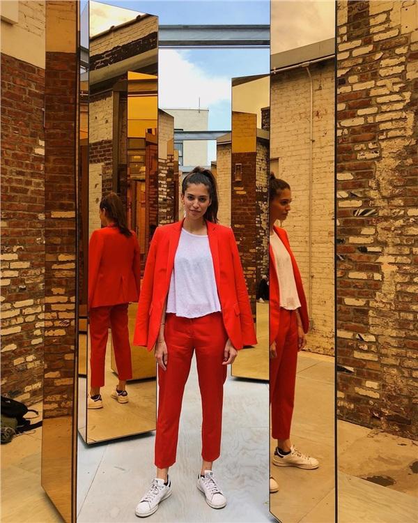 Một bộ đồ mặc suốt trong 2 tháng, nhưng cô nàng vẫn tạo cảm giác mới mẻ nhờ cách phối đồ 'cực chất' 7