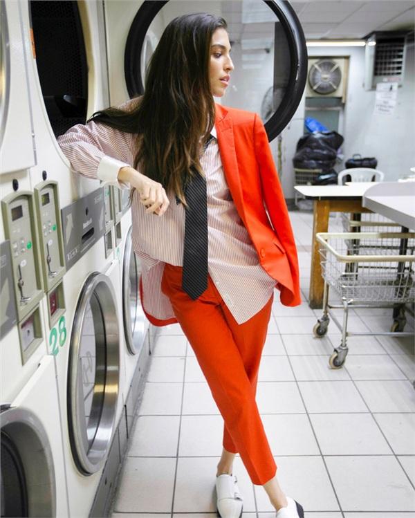 Một bộ đồ mặc suốt trong 2 tháng, nhưng cô nàng vẫn tạo cảm giác mới mẻ nhờ cách phối đồ 'cực chất' 8