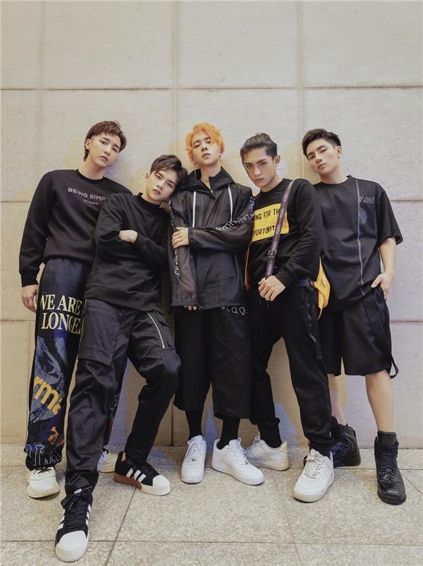 MONSTAR ở thời điểm hiện tại đã hoàn thiện đội hình 5 thành viên gồm: Key, Nicky, Grey-D, J và Zino với những sản phẩm đầy văn minh, chỉn chu và tâm huyết.