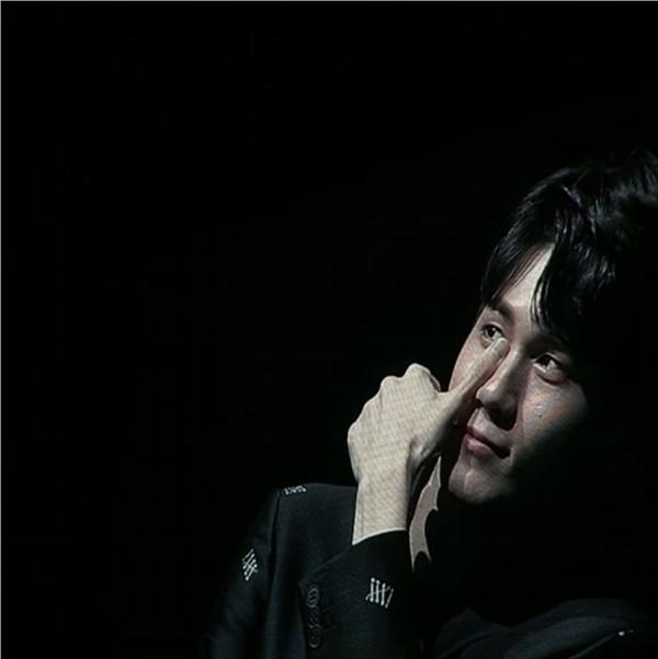 Ong Seong Woo rơm rớm nước mắt khi nhìn lại những ngày tháng còn hoạt động với Wanna One 0