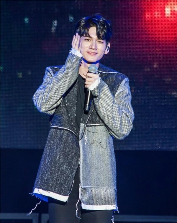 Ong Seong Woo rơm rớm nước mắt khi nhìn lại những ngày tháng còn hoạt động với Wanna One 2