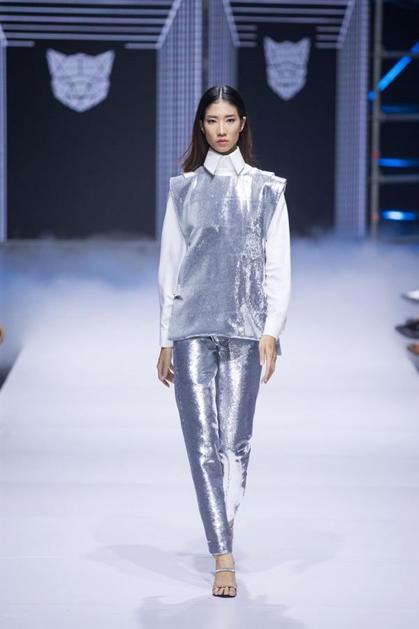 Võ Hoàng Yến, Minh Tú: Hai 'nốt thăng' trong bản nhạc thời trang của NTK Chung Thanh Phong 13