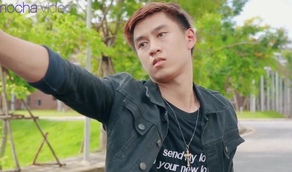 'Ảo tưởng tuổi 17' (tập 3): Mới sống chung ngày đầu tiên, hot streamer Linh Ngọc Đàm đã bắt gặp ngay cảnh hotboy cởi trần 11