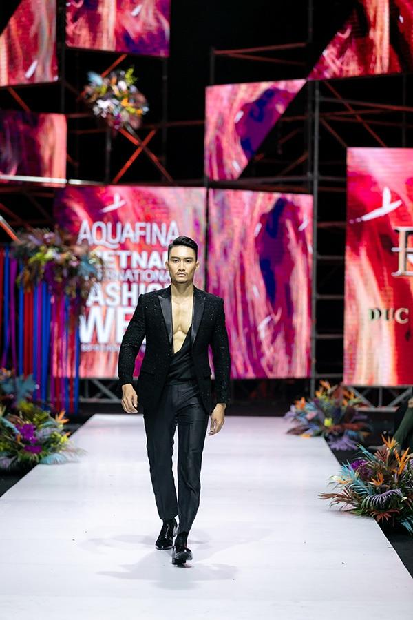Trương Hồ Phương Nga bất ngờ tái xuất sàn diễn thời trang 12