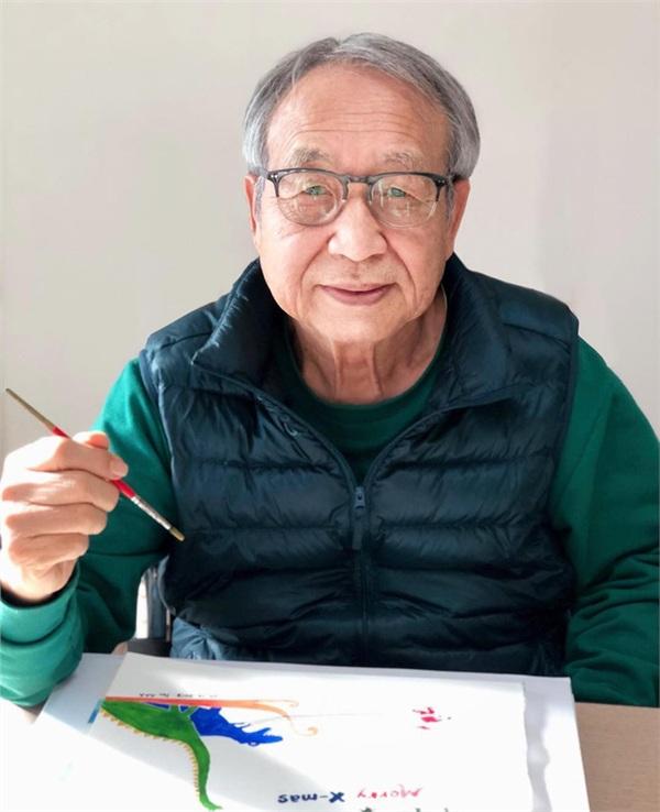 Gia đình sống tứ xứ, vợ chồng cụ ông vẽ hàng nghìn bức tranh 'kể chuyện' cho con cháu trên Instagram làm lay động MXH 1