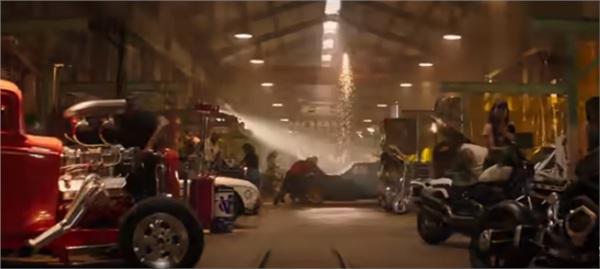 Xưởng xe hơi và vũ khí 'không phải dạng vừa' của gia đình Hobbs