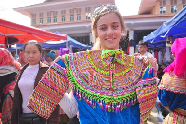 Những món đồ thổ cẩm luôn được du khách nước ngoài mua về nước sau mỗi chuyến du lịch Việt Nam