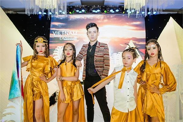 Dàn mẫu nhí gây ấn tượng mạnh trong buổi giới thiệu 'Tuần lễ thời trang trẻ em quốc tế Việt Nam 2019'.