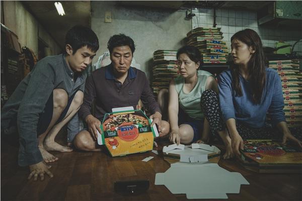 Chưa chính thức công chiếu ở Hàn Quốc nhưng 'Ký sinh trùng'đã lập những kỉ lục đáng kinh ngạc 0