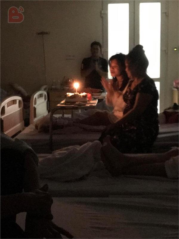 'Nhân vật chính'xuất hiện và buổi sinh nhật chính thức bắt đầu.