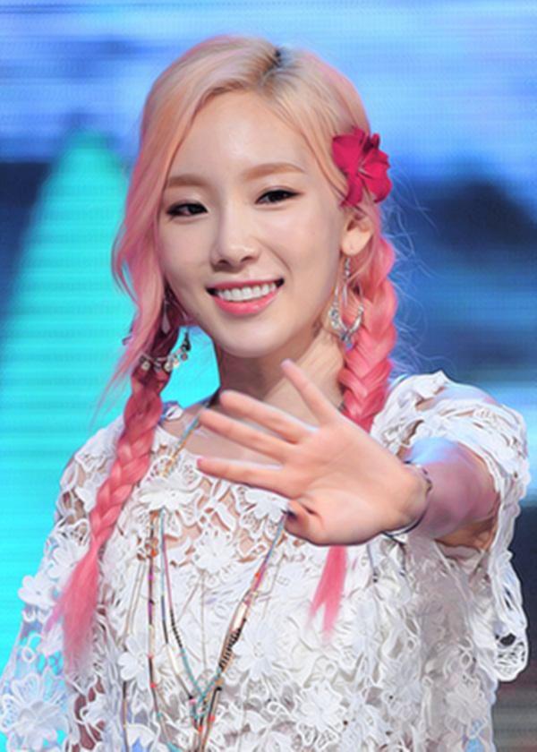 Thủ Lĩnh Oh!GG - Taeyeon vô cùng xinh đẹp với mái tóc hồng trong đợt quảng bá Party