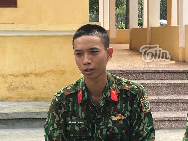 Tân binh Lê Minh Trường là chàng trai rất hoạt náo và năng động khi sống trong quân ngũ.